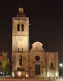 Houilles,_Église_Saint-Nicolas,_façade_de_nuit